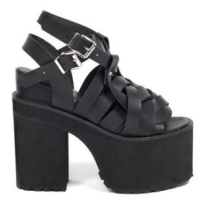 UNIF Julian Platform Sandals